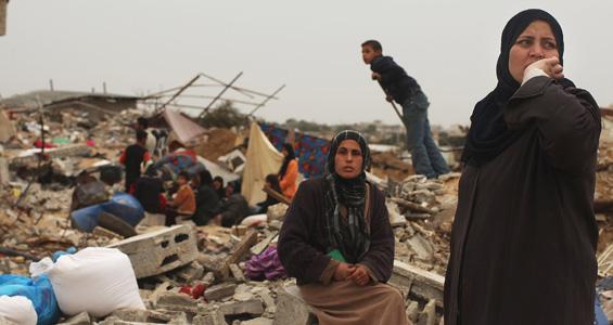 οι κάτοικοι �χουν ορκιστεί να ξαναφτιάξουν τα σπίτια τους που �χουνε καταστραφεί .